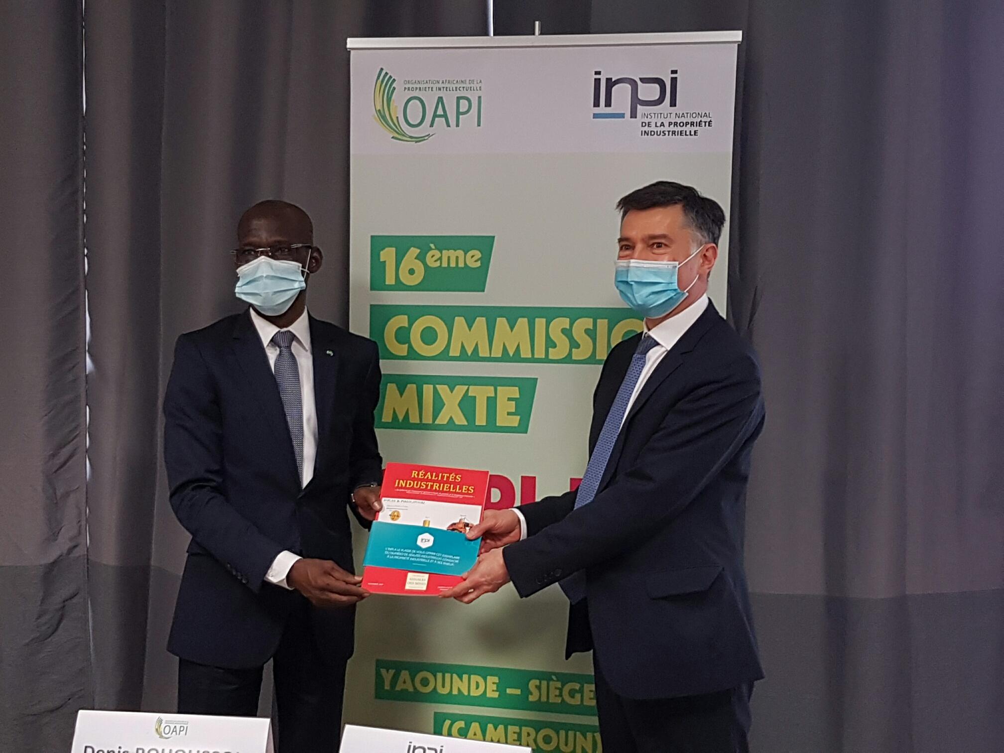 Crédit image INPI / Denis Bohoussou, directeur de l'OAPI et Pascal Faure, directeur de l'INPI