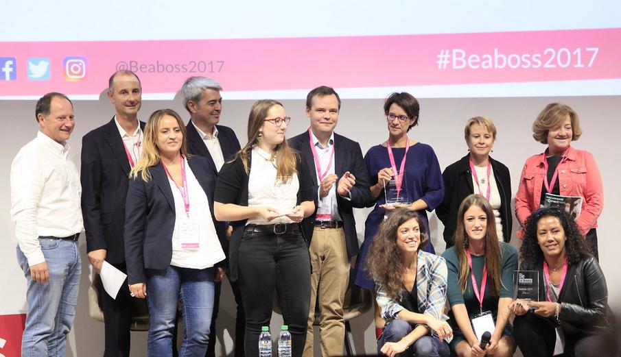 Crédit image : Smilzz - Les lauréates de gauche à droite : Julie Dautel/Zephyr Solar, Valérie Mas/WeNow et Ingrid Maisonneuve-Chaine/Shopîles