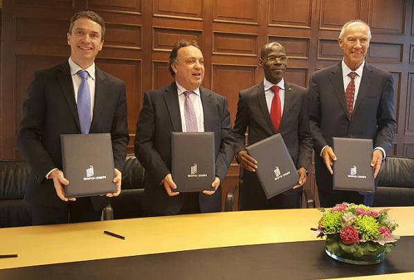 Crédit image INPI : De gauche à droite - Romain Soubeyran, Adil El Malik, Directeur Général de l'OMPIC, Dénis Bohoussou Loukou, Directeur Général de l'OAPI, Francis Gurry, Directeur Général de l'OMPI